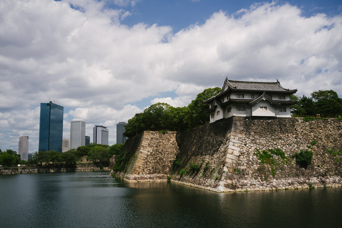 First view of the Osaka-jo rampart. We could tell this was going to be huge just by the size of the moat.