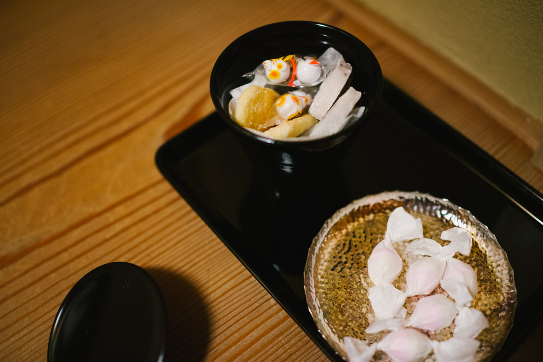Sweets and candies, that we already knew of; they were a gift to us, back in Lisbon, from our host in Kyoto.