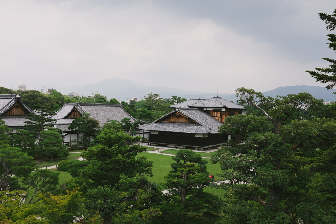 Honmaru palace and the adjacent beautiful gardens!